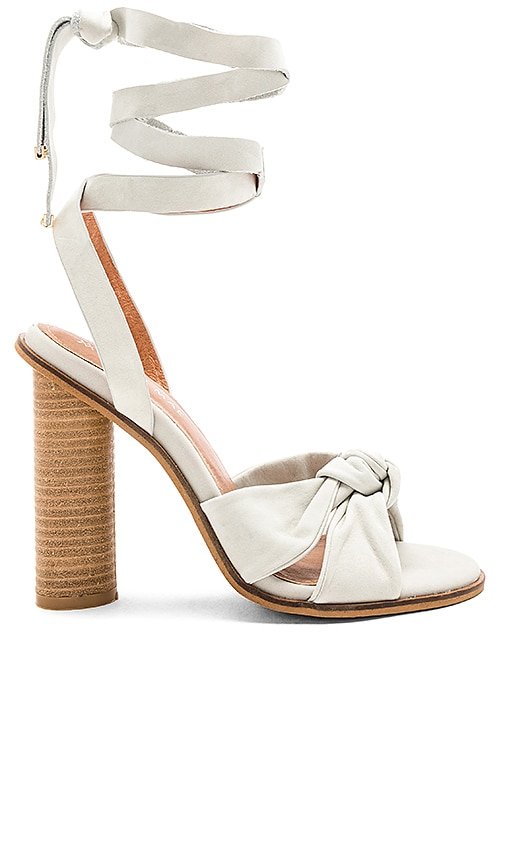 Alias Mae Africa Heel in White