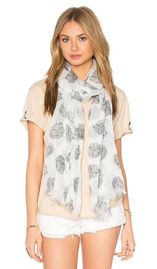 American Vintage Caldwell Scarf in White