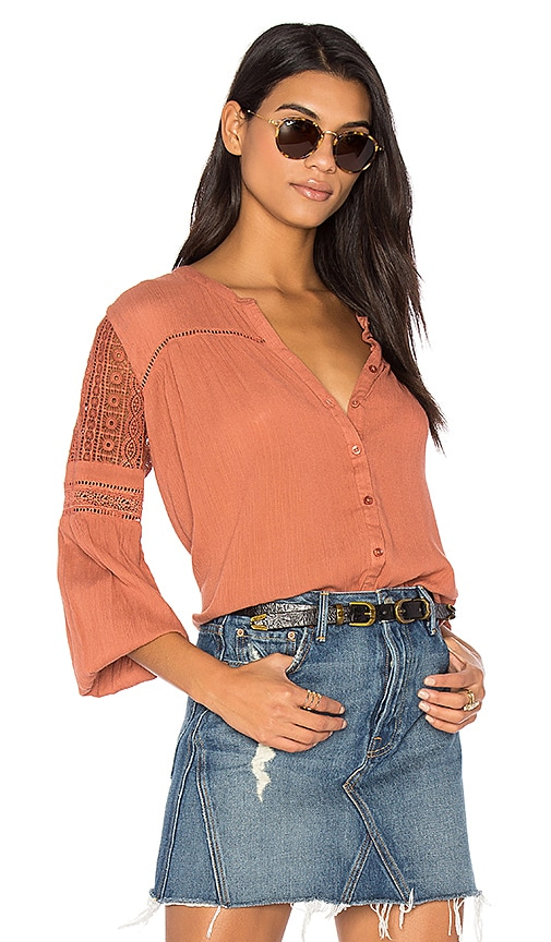 AMUSE SOCIETY Crawford Woven Top in Brick