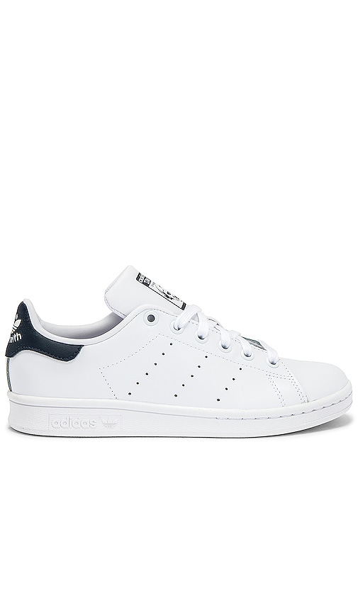 magasin en ligne ded65 7a83d adidas Originals Stan Smith Sneaker in White & Dark Blue ...