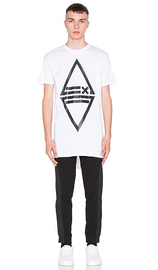 AQ/AQ vs CHEF LDN Grip T-Shirt in White