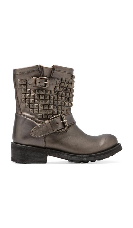 Titan Boot