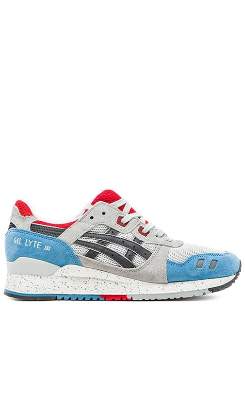 sports shoes e5d50 4c032 Asics Gel-Lyte III in Soft Grey & Dark Grey | REVOLVE