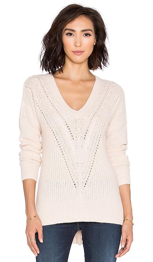 Autumn Cashmere Hi Lo Cable V Neck Sweater in Blush