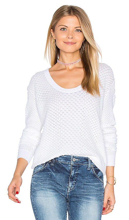Autumn Cashmere Snake Stitch Scoop Sweater in White