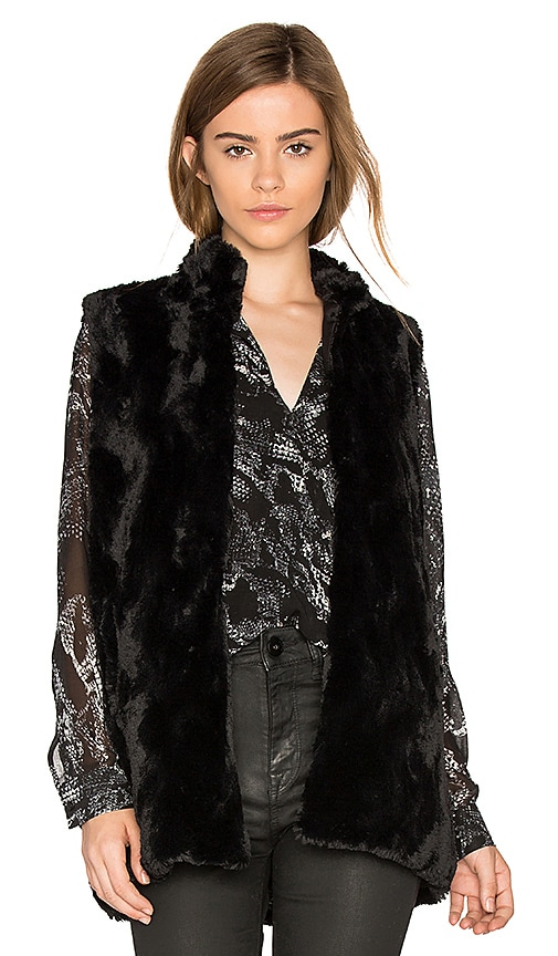 BB Dakota Jack By BB Dakota Barlett Faux Fur Vest in Black