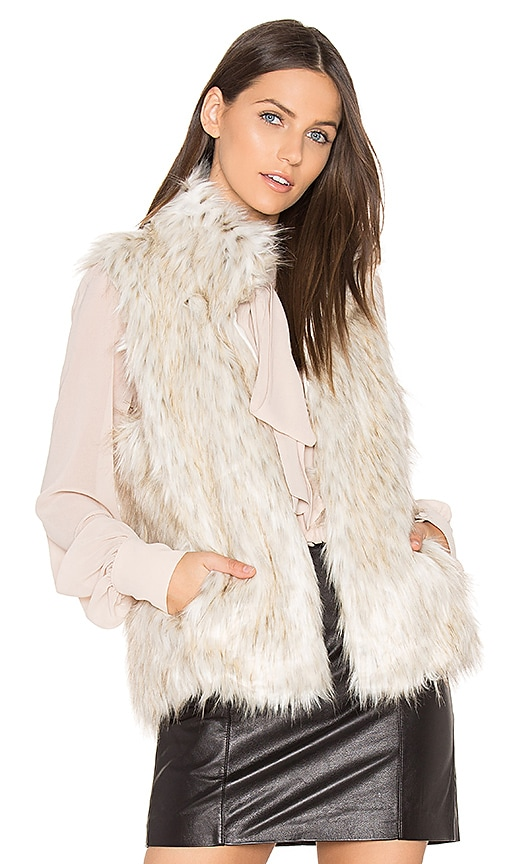 BB Dakota Brewer Faux Fur Vest in Beige
