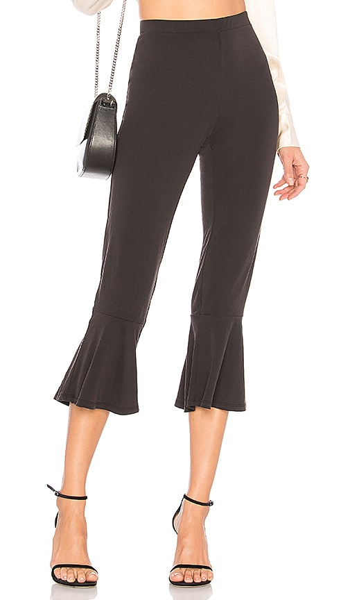 BB Dakota Lounge Ruffle Bottom Pant in Black
