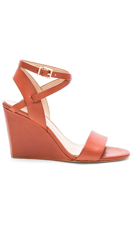BCBGMAXAZRIA Lennox Wedge in Cuoio