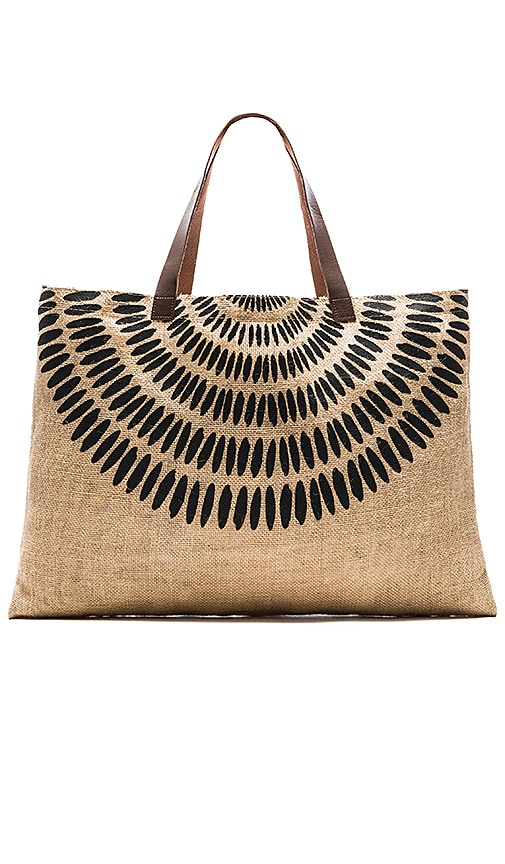 The Beach People x REVOLVE Jute Tulum Bag in Tan