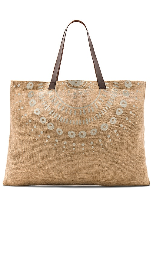 The Beach People Jute Wategos Bag in Natural | REVOLVE