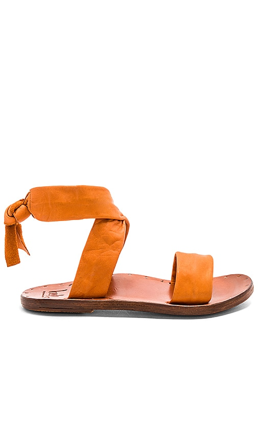 Beek Canary Sandal in Tan