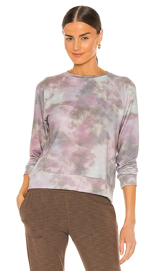 Beyond Yoga Printed Favorite Raglan Crew Pullover in Lavender.