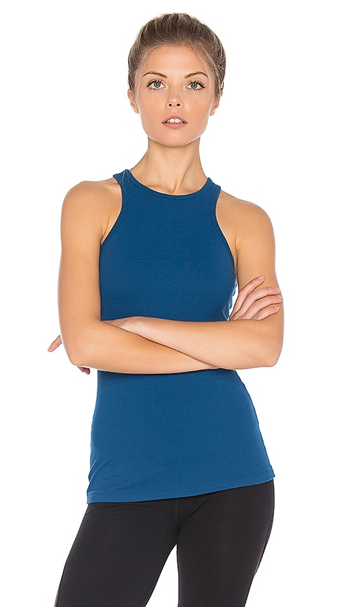 Beyond Yoga Under Lock And Keyhole Tank in Blue
