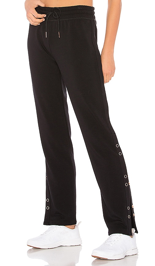 Beyond Yoga Snap It Up Sweatpant in Black