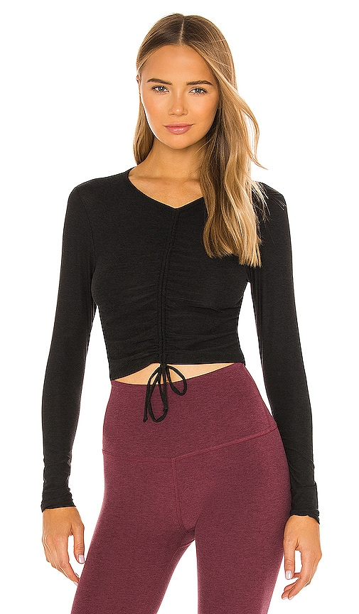 Beyond Yoga Scrunch It Up Cropped Pullover in Black.