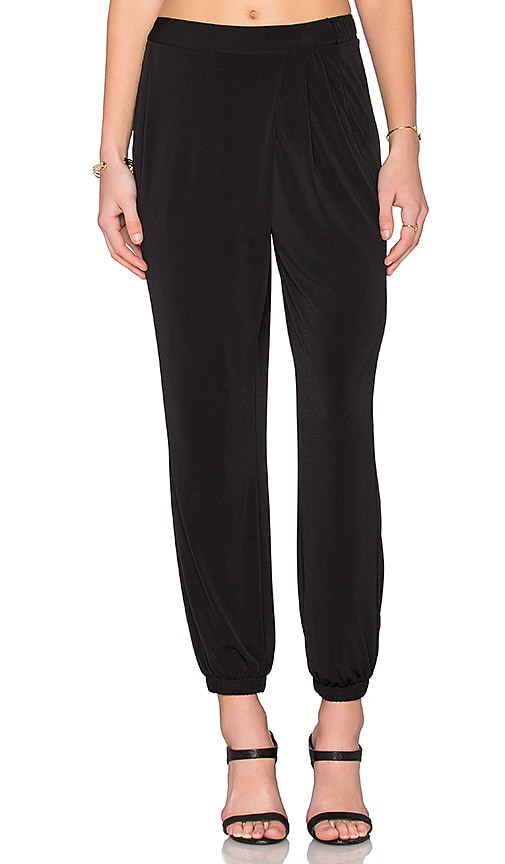 BCBGeneration Skinny Pant in Black