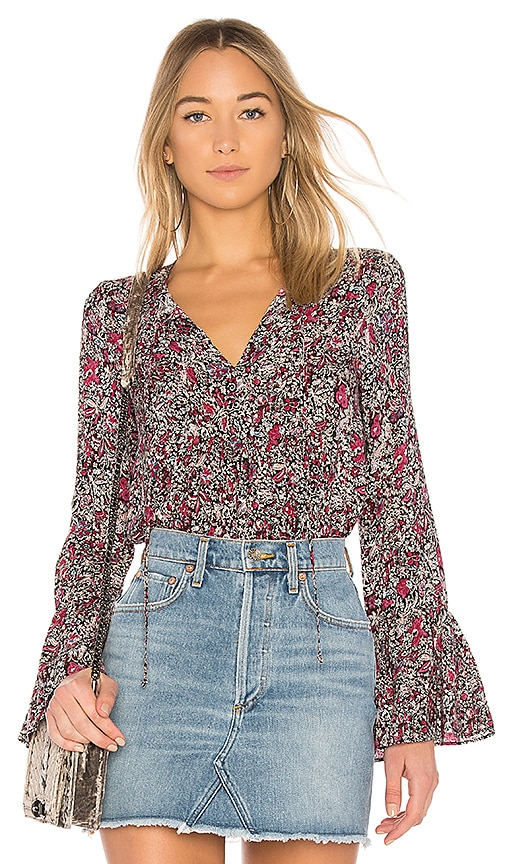 BCBGeneration Ruffle Sleeve Top In Black Passion Combo