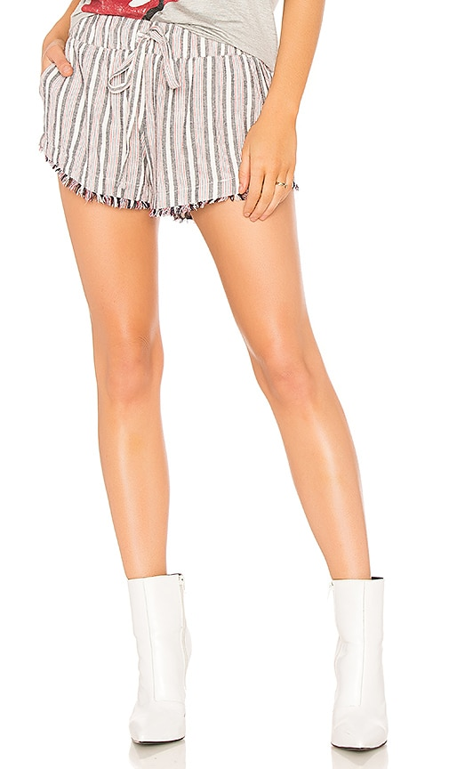 Bella Dahl Frey Hem Short in White
