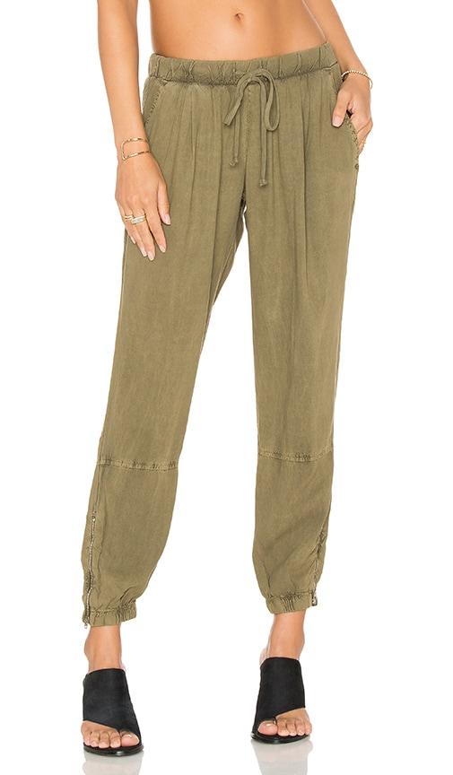 Bella Dahl Zip Leg Jogger in Olive