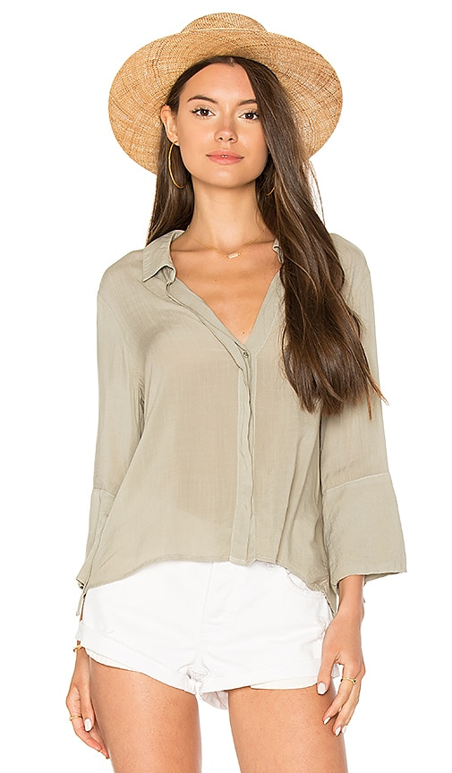 Bella Dahl Flutter Sleeve Tie Back Shirt in Sage