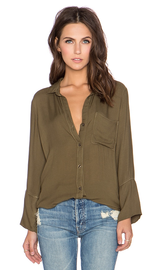 Bella Dahl Shirt Tail Button Down Top in Burnt Olive