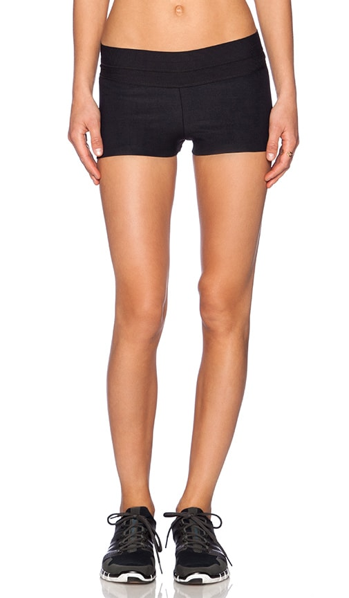 Fit Silhouette Yoga Short