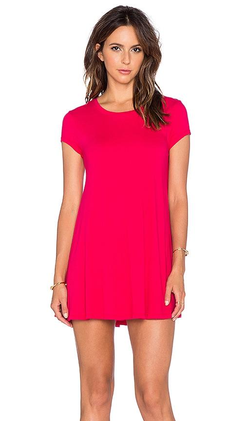Bobi Light Weight Jersey Shift Dress in Strawberry