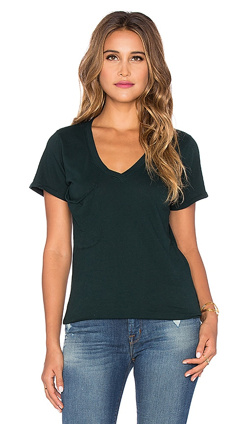 Bobi Light Weight Jersey Pocket V Neck Tee in Forest Green