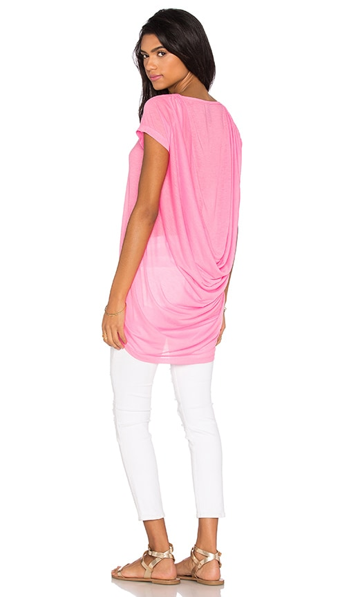 Bobi Tissue Jersey Scoop Back Short Sleeve Top in Pink