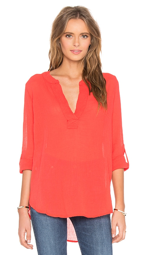 Bobi Gauze V Neck 3/4 Sleeve Top in Red