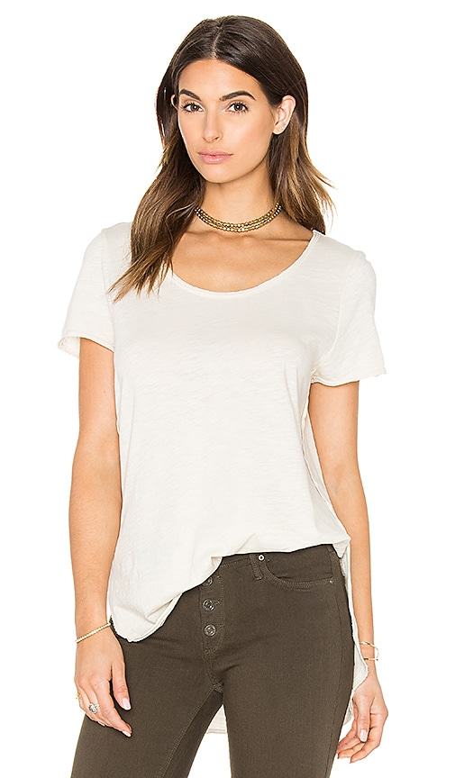 Black Orchid Short Sleeve Curve Hem Tee in Ivory