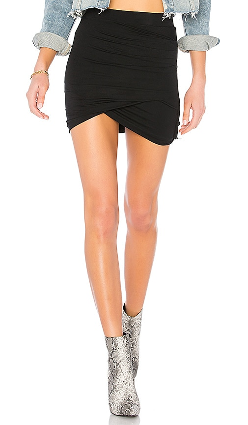 by the way. Arden Ruched Mini Skirt in Black