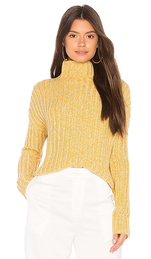 BROWN ALLAN Twisted Sweater in Yellow