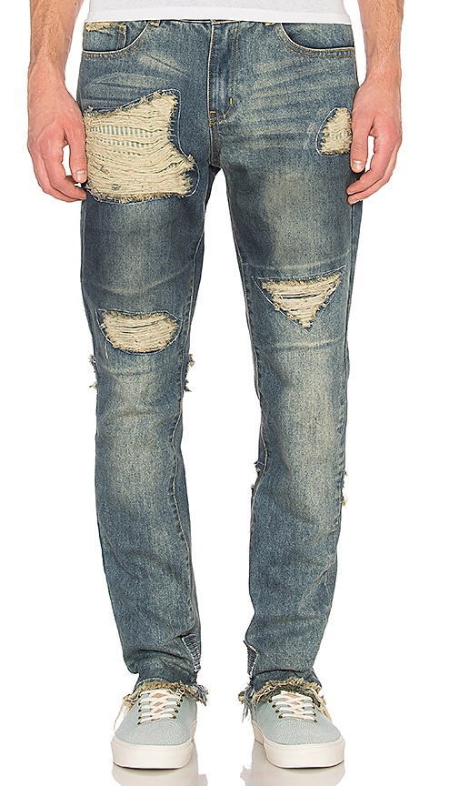 C2H4 Distressed Stonewashed Jean in Washed Blue