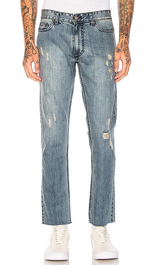 Calvin Klein Slim Logo 5 PKT Frayed Jeans in Light Wash