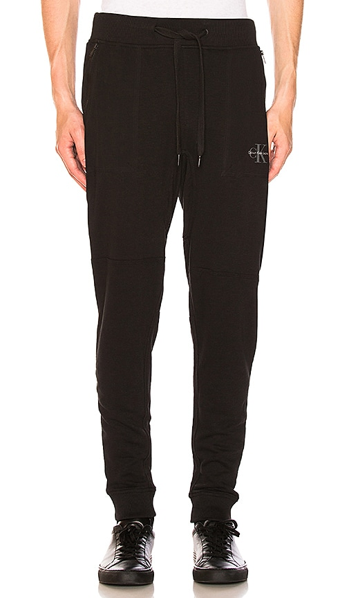 Calvin Klein Twill Pocket Sweatpant in Black