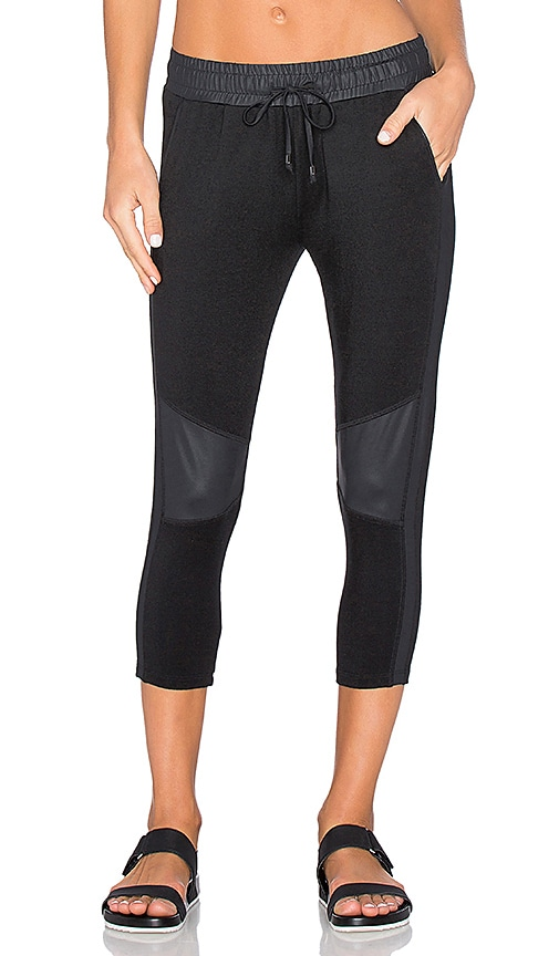CHICHI Michelle Cropped Jogger in Black