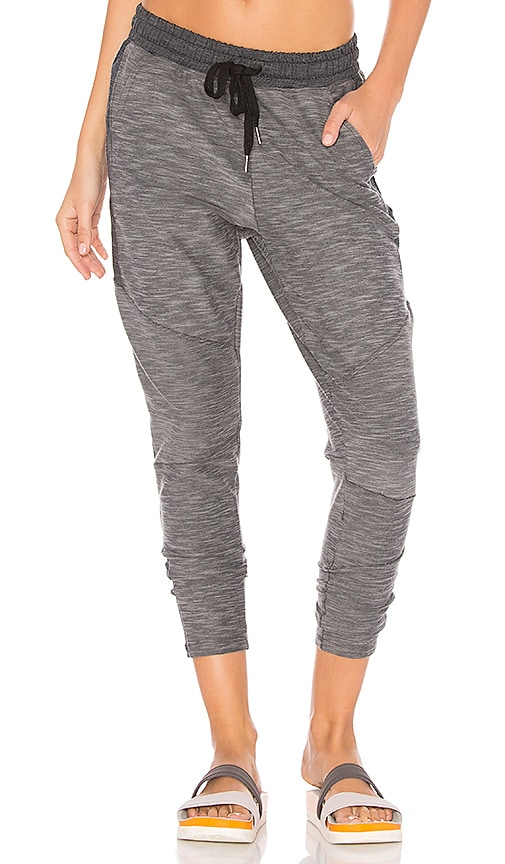 CHICHI Meghan Jogger in Gray