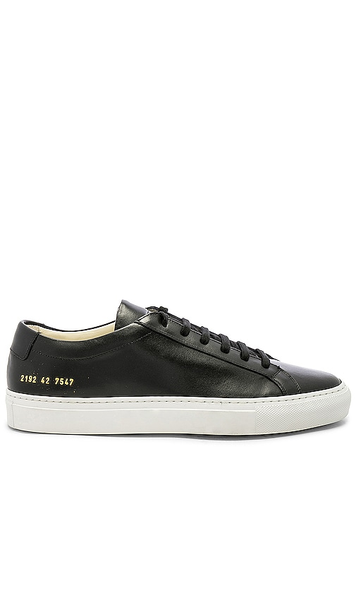Common Projects Original Leather Achilles With White Sole In Navy