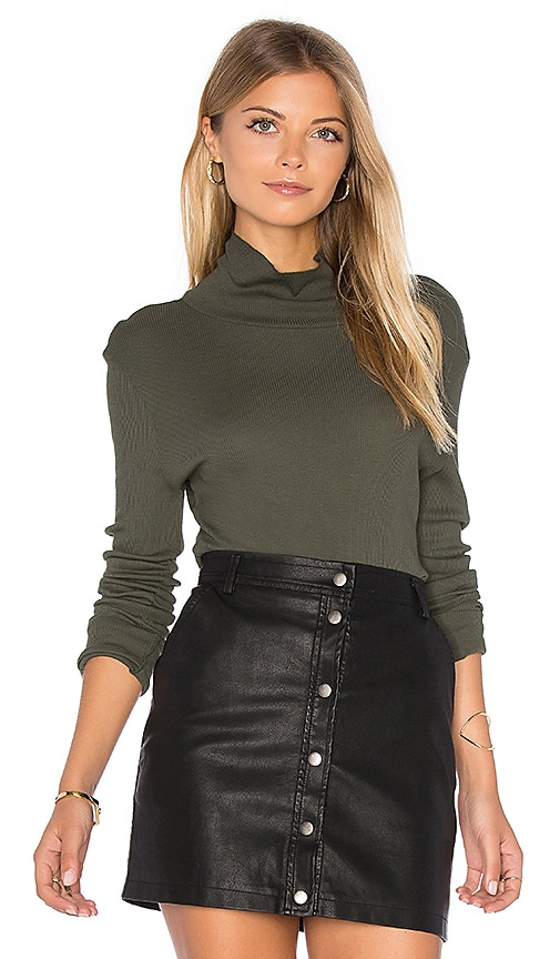 Melbourne Turtleneck Tee