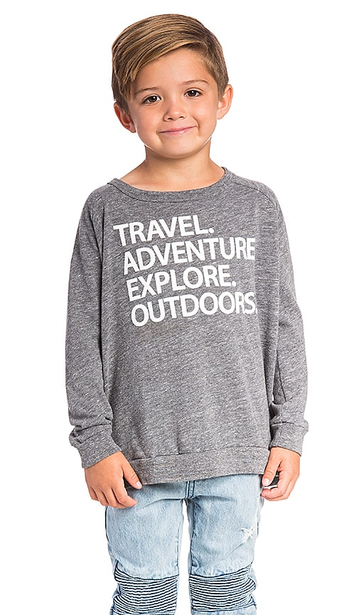Chaser Travel Explore Tee in Gray