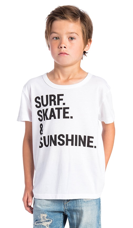 Chaser Surf Skate & Sunshine Tee in White