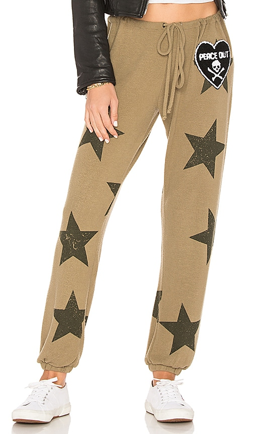 Chaser Star Patch Pant in Olive