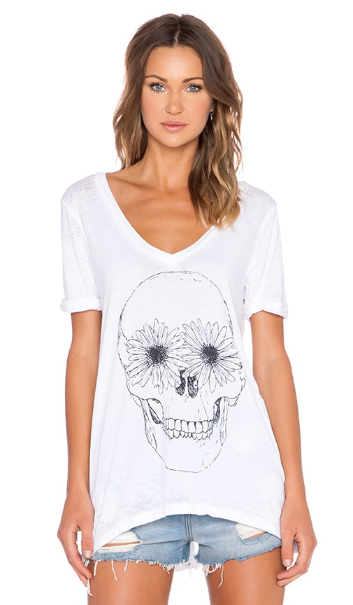Daisy Eyes V Neck Tee
