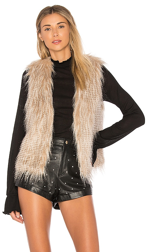 cupcakes and cashmere Faux Fur Arlington Vest in Cream