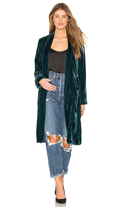 3fa57255a cupcakes and cashmere Albany Velvet Duster in Forrest Green | REVOLVE