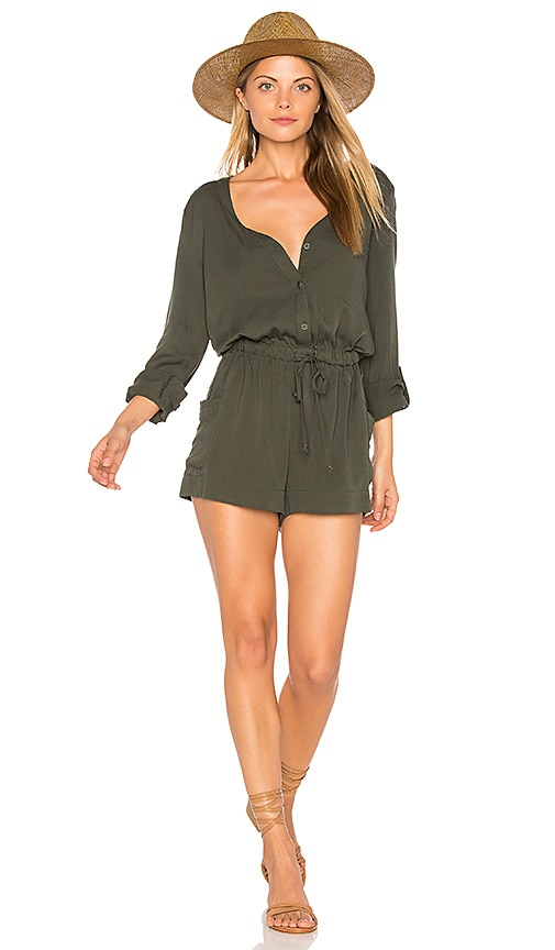 cupcakes and cashmere Goodwin Romper in Green