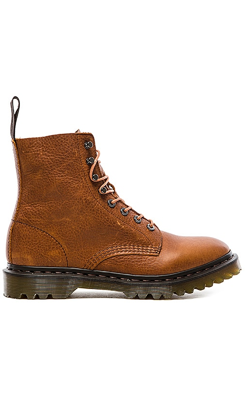 Dr. Martens Hadley 8 Eye Boot in Tan