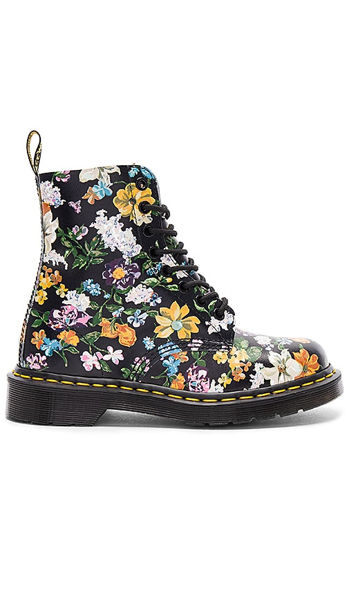 Dr. Martens Pascal DF Boot in Black